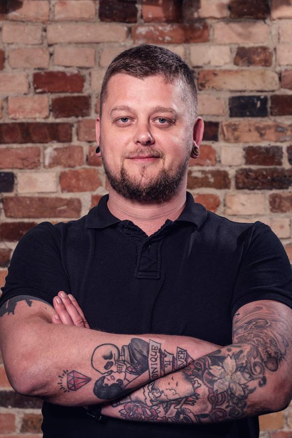 Jurij - Tätowierer im Darkside Tattoo und Piercing
