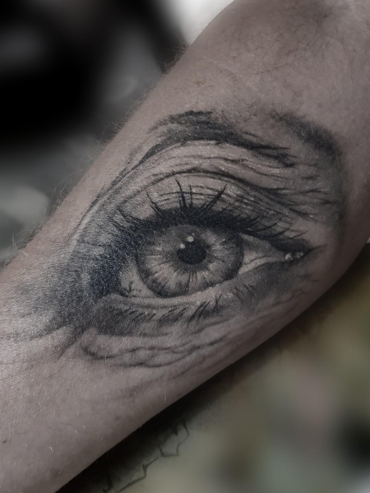 Tattoo-Auge