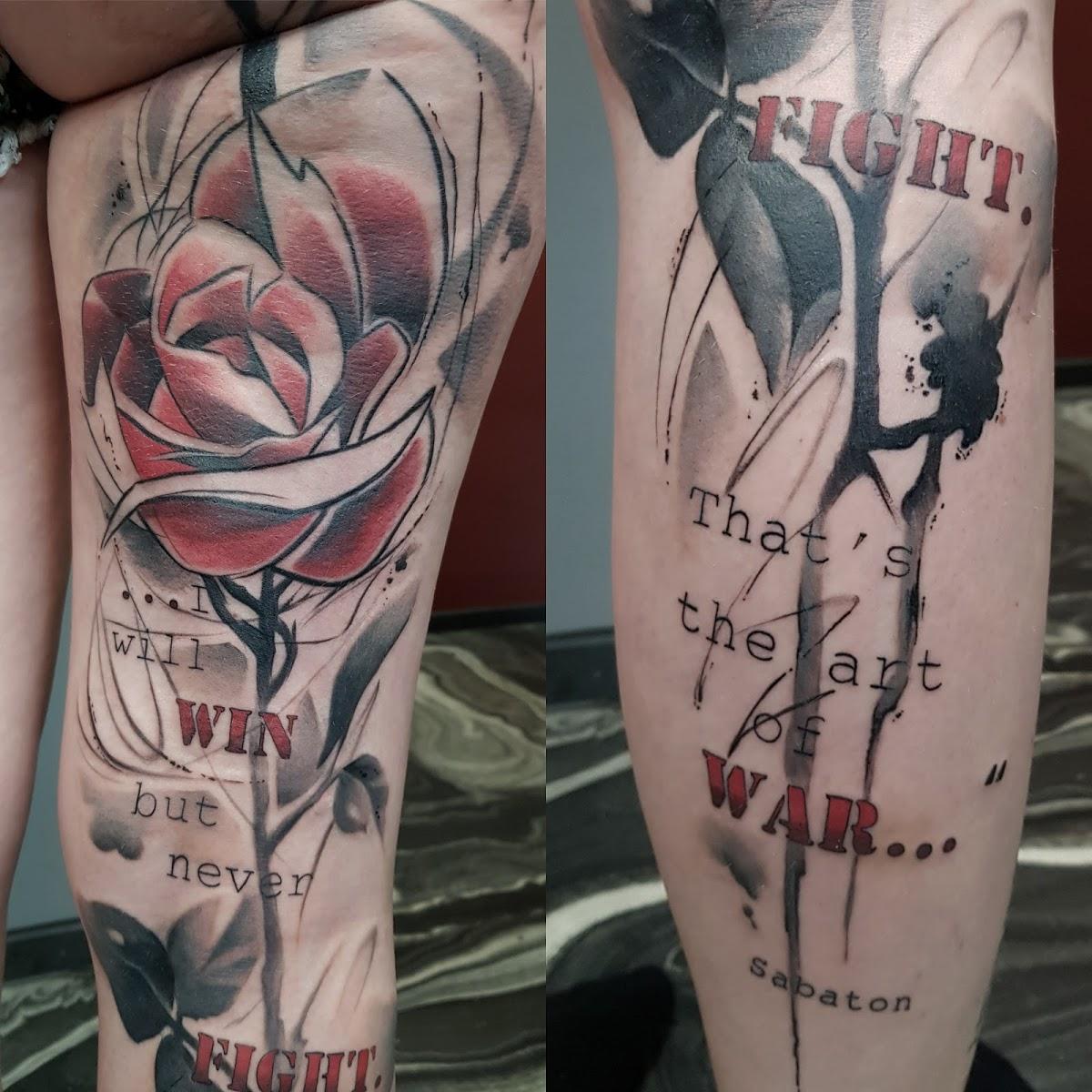 Tattoo-Rose-Schwarz-Weiss-Rot